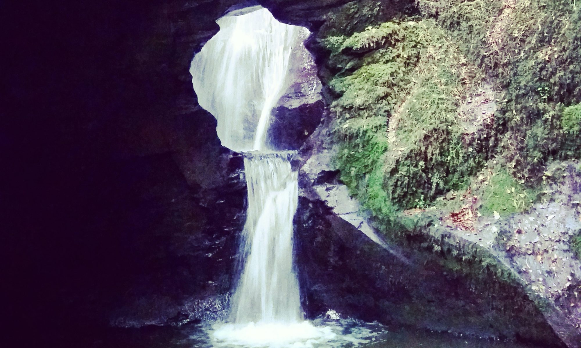 "Der Wasserfall ""St. Nectans Glen"" in Cornwall"